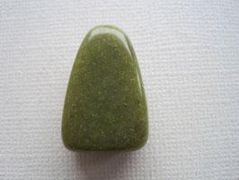 Jade grün - Russische Jade- Anhänger gebohrt 25 x 15 mm