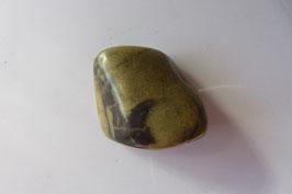 Jaspis grün Trommelstein 35 x 28 mm