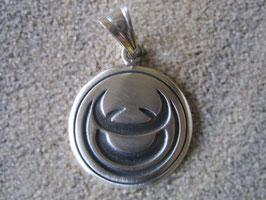 Tribal-Sternzeichen Stier - Anhänger 925 Sterling-Silber mattierte Oberfläche Durchmesser  2,2 cm