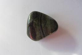 Jaspis grün Trommelstein 32 x 30 mm