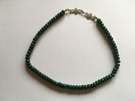 Jade Nephrit Walzenkette  facettiert 6 x 3 mm,  silberfarbiges Ornament 25 x 21 Gesamtlänge 43 cm mit silberfarbigem Karabiner Verschluss und Verlängerung