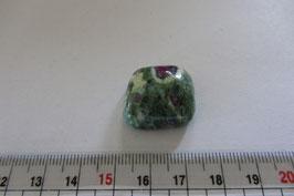 Fuchsit mit Rubin Trommelstein 22 x 22 mm flach
