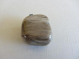 Versteinertes Holz getrommelt 26 x 24 mm