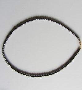 Hämatit Perlenkette mit Kugeln 4 mm Durchmesser, Länge 42 cm goldfarbiger Karabinerverschluss