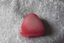 Rote Jade Dreieck-Anhänger gebohrt 28 x 25 x 10 mm