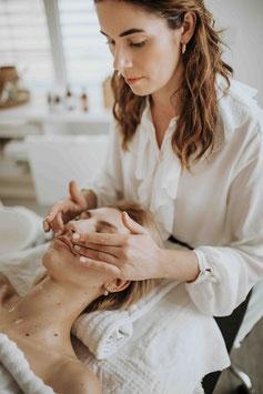 Gutschein für die Wellness-Gesichts-Behandlung
