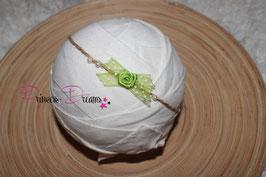 VHB488 grün weiße Punkte Perle ivory