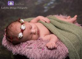 Moos-Blumenkranz für Newborns weiß/rot