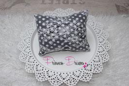 Pillow schwarz/weiß Dots eine Seite mit SPitze