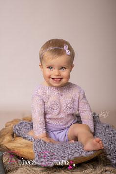 langarm Spitzen Romper Flieder Sitzkinder  ca. 9-16 Monate