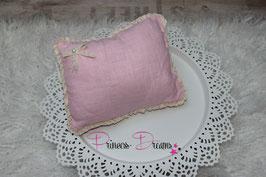 Pillow rosa mit Rüschen und Vintageschleife