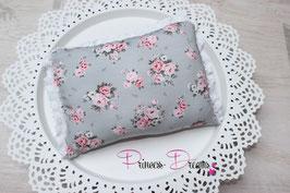 Pillow grau flowerdruck mit Rüschen weiß