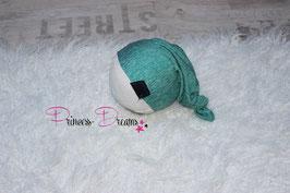 genähtes Mützchen grün meliert /blau Newborn