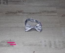 Satin Mini Fliege 10 x 5cm grau/silber