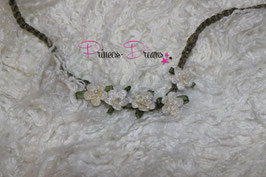 HB686 Häkelband Blume ivory grün