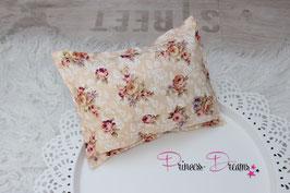 Pillow apricot, Blumen braun