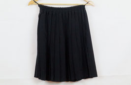 Black pleated skirt!