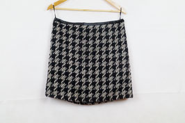 Hound's tooth pattern tight short skirt!