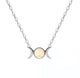 Collanina simbolo della Dea - Triplice Dea in Opalina