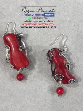 Corallo Rosso - Orecchini Elfici con sfera finale