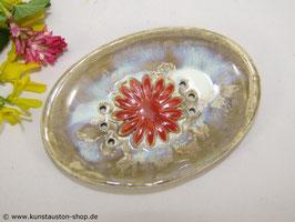 Seifenschale, perlmuttweiß mit roter Blume
