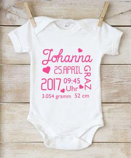 Body mit Namen und Geburtsdaten (Schriftfarbe pink)