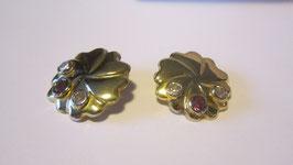 Orecchini in argento placcato con pietre bianche e rosa