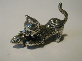Gattino con topo