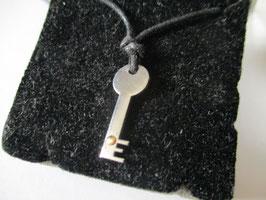 Ciondolo chiave in acciaio e oro