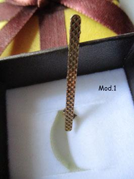 Spilla balia in oro giallo con anellino per ciondolo