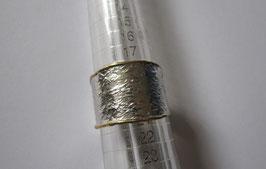 Fedina in argento texture grezza