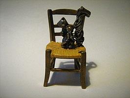 Gattino sulla sedia