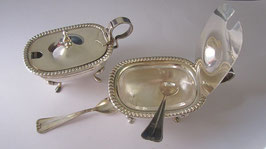 Porta sale, zucchero o porta spezie in argento con cucchiaino