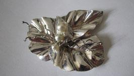 Spilla in argento e perle Foglia