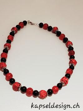 Halskette mit Kapselkugeln