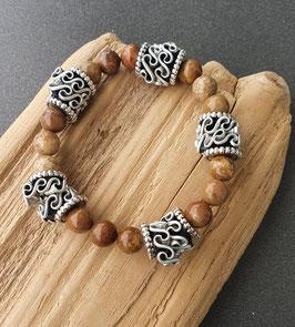Armband mit Kaffeekapseln und versteinertem Holz