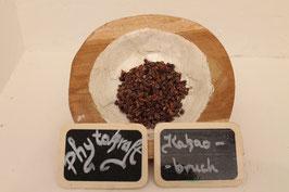 Kakaobruch gröstet und geschnitten