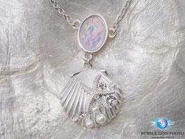 Halskette mit Perlen und Zirkonia