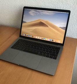 MacBook Pro Retina 13-inch / Mid 2017 / 128GB SSD / Core i5 / 209 Cycles / A-Grade