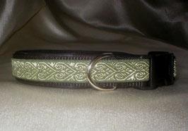 Herzensbande-oliv-schwarz, Klickverschluss,  2,5 cm