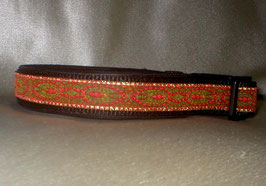 Rote Pfauenfeder-schwarz, Klickverschluss,  2,5 cm