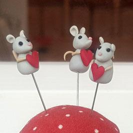 Stecknadel Maus