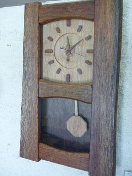 振子の柱時計