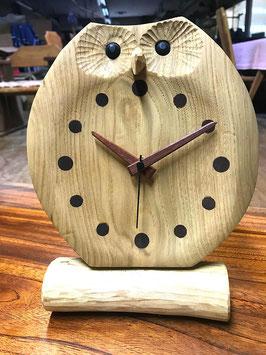 ふくろうの置き時計 お目覚め