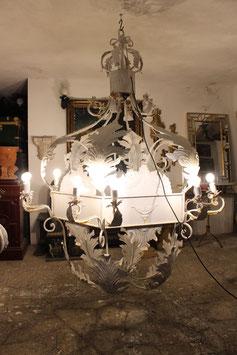 ENORME LAMPADARIO IN FERRO BATTUTO H 220