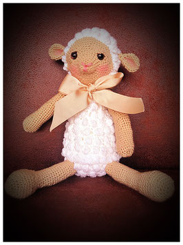 "/ Amigurumi ""sleepy sheep"" Artikelnummer: 0035"