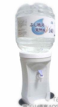 ふじ鳴沢天然水{富士山頂上の水源(奇跡を呼んだ激流水)}