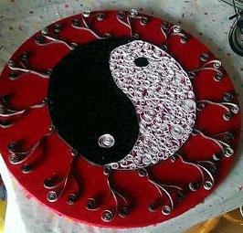 Ying und Yang - schwarz-weiß-rot - VERKAUFT