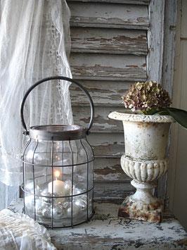 Shabby: Dekoratives großes Windlicht aus Glas + Metall