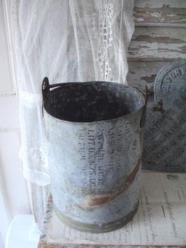 Shabby: Metalleimer mit altem Lack Munitionskiste